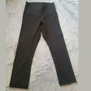 Lululemon Black Hi Rise Crop Leggings Size 6